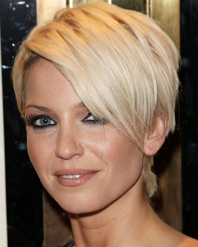 Beautiful Short Hairstyles For Women Over 40 Easy Women Haircut Styles